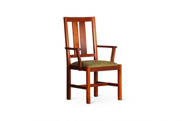 Bisbe Armchair in Walnut