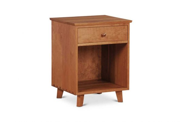 Claver One Drawer Nightstand in cherry